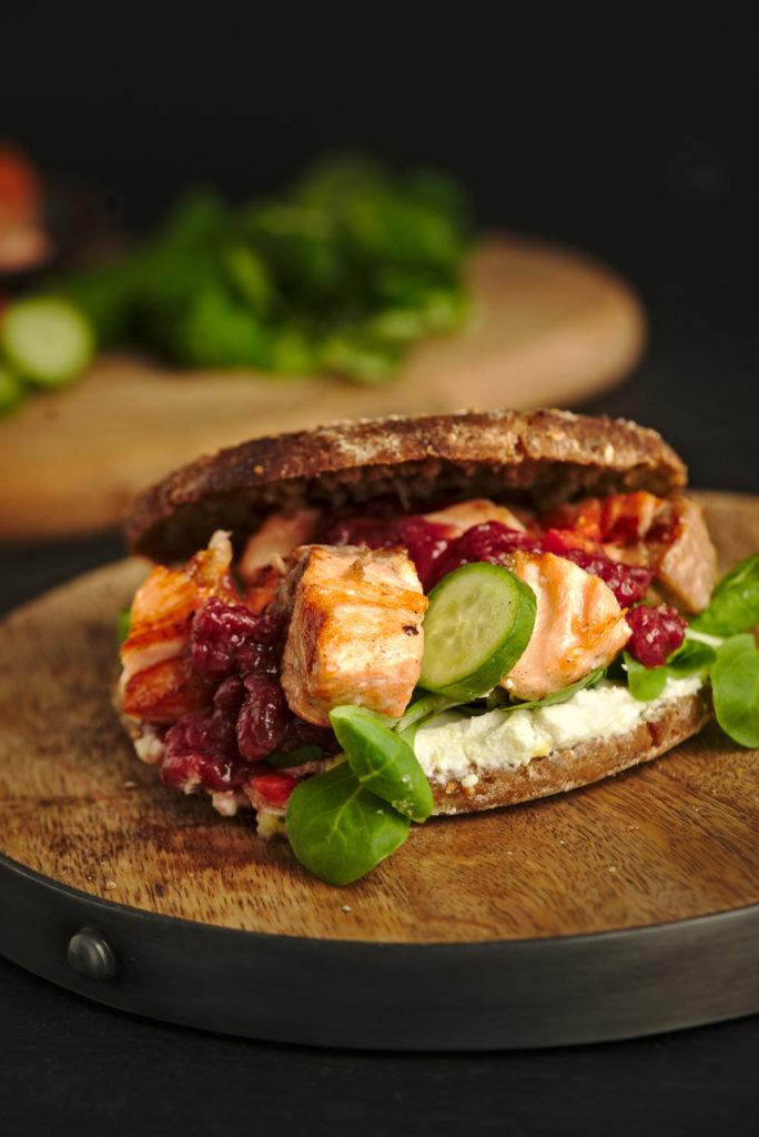 Grilled Salmon Bagels v3