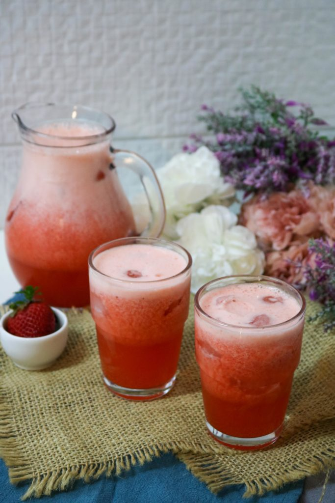 No Sugar Added Strawberry Lemonade 1