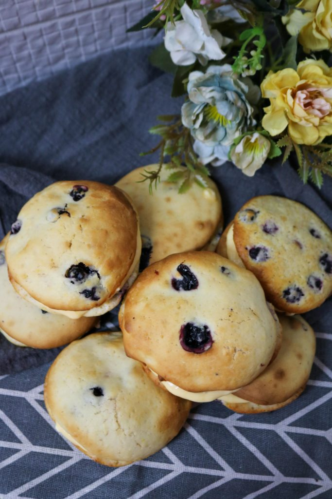 Lemon Blueberry Whoopie Pie 2
